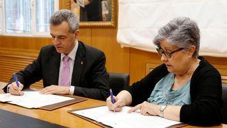 Firma de la Fundación Pilares y el CEU para un posgrado en Gerontología.