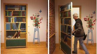 Puertas camufladas en una residencia de Dinamarca.
