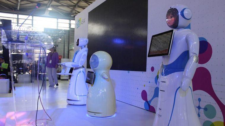 Robots de acompañamiento en China.