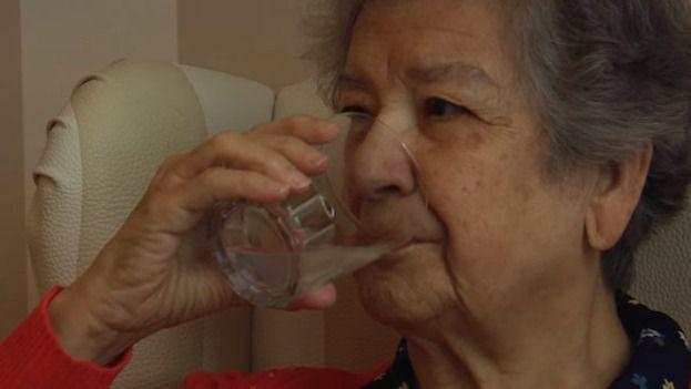 Mayor bebe agua. Consejos de hidratación.