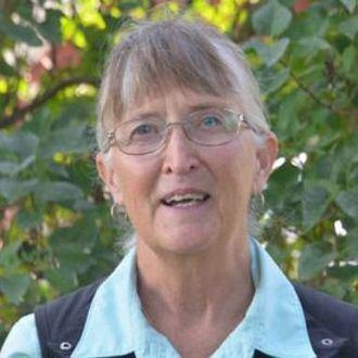 Joan Devine es directora de educación del Pioneer Network