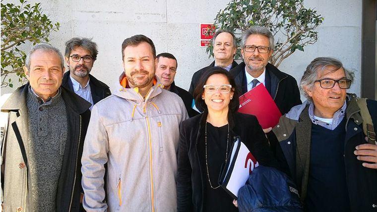 Patronales y sindicatos acuerdan mejorar con la Generalitat la atención a los mayores