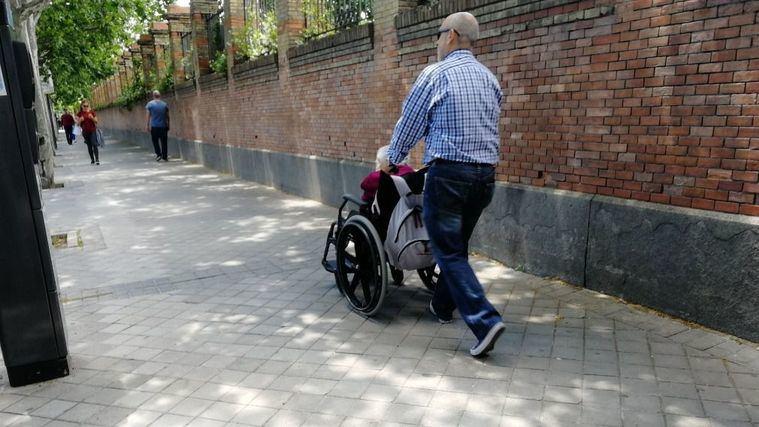 Más de la mitad de los cuidadores familiares no han recibido formación sobre cuidados