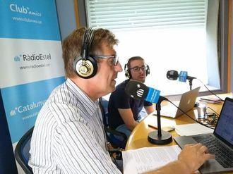 El director de Inforesidencias.com Josep de Martí en los micrófonos de radio Estel