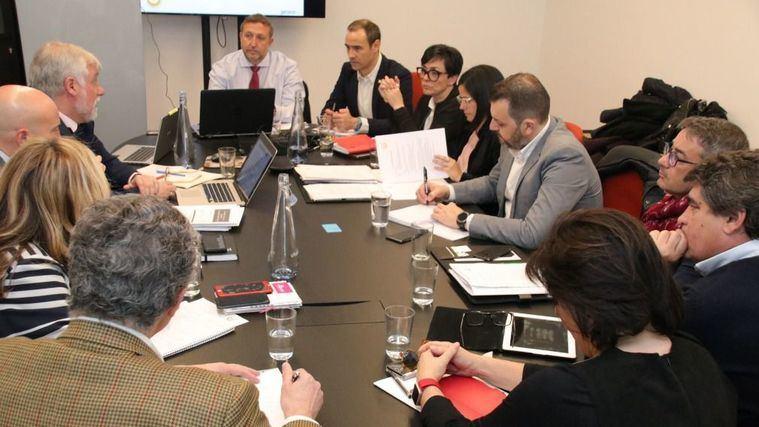Junta directiva de CEAPs, a la que asistieron representantes del sector de la Dependencia de Cataluña, Andalucía, Extremadura, Navarra, País Vasco, Madrid, Castilla y León, Asturias y Galicia.