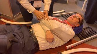 Josep de Martí prueba una silla Raizer.
