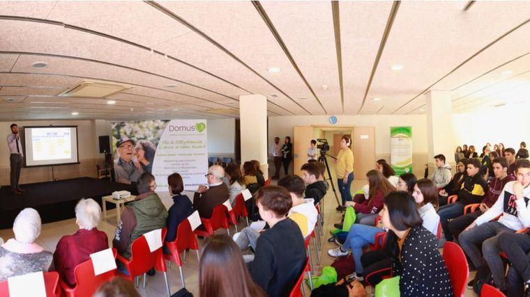 La Fundación DomusVi organiza la jornada intergeneracional de empatía 'Ponte en su lugar'