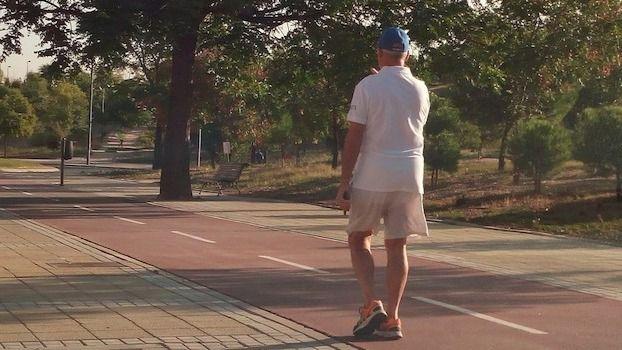 Sanitas recuerda que la actividad física disminuye el riesgo de padecer depresión, ansiedad y estrés en personas mayores