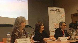 Asamblea de ARADE, con la Consejera de Ciudadanía y Derechos Sociales de Aragón, María Victoria Broto, el presidente de ARADE, Santiago Cosculluela, y su gerente, Paquita Morata.