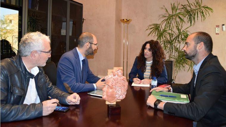 La Junta de Andalucía se compromete a incrementar su aportación para cubrir el coste de las plazas concertadas en centros de mayores