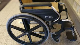 Silla de ruedas para dependiente.