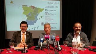 José Manuel Ramírez, Guastavo Bueno y Luis Barriga, en la presentación del Índice DEC 2018