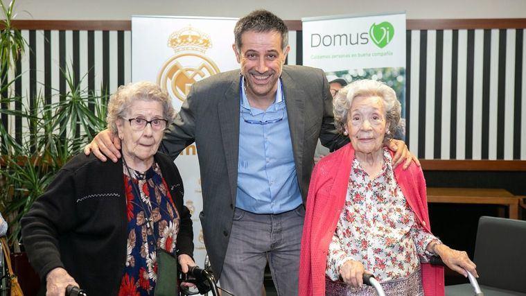 El ex jugador de baloncesto del Real Madrid, Javier García Coll, en el centro DomusVi Arturo Soria