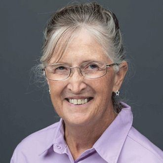 Joan Devine, directora de formación de la red de Pioneros en el Cambio de Cultura en Atención a personas mayores en EEUU