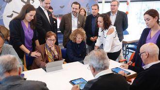 Los madrileños podrán deducirse 500 € por el cuidado de familiares mayores de 65 años.