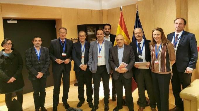 Portavoces del CEDDD con Rafael Simancas.