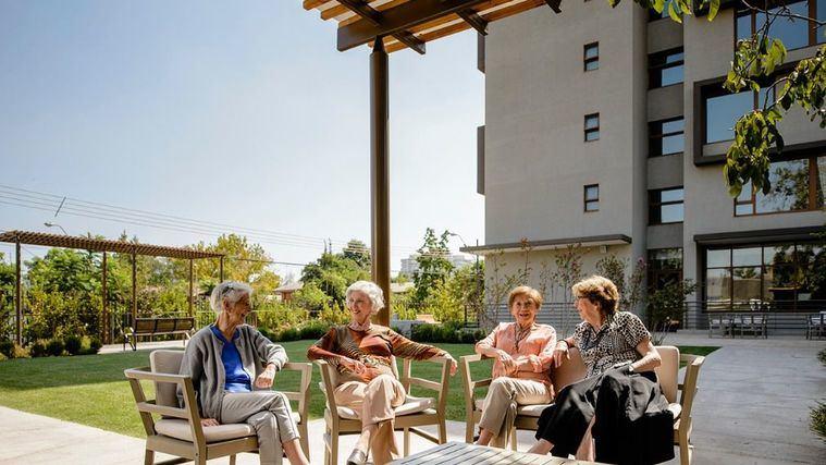 DomusVi adquiere a través de Acalis los centros Ambar Residence en Chile