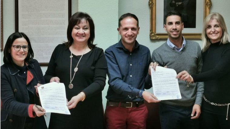 La Mancomunidad de La Vid y el Mármol firman con OnaCare el contrato de gestión de la nueva residencia de El Pinoso