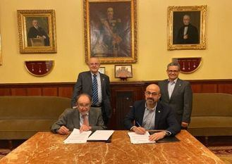 Sentados Joaquín Poch y José Augusto García Navarro. De pie, José Manuel Ribera y Alfredo Bohórquez.