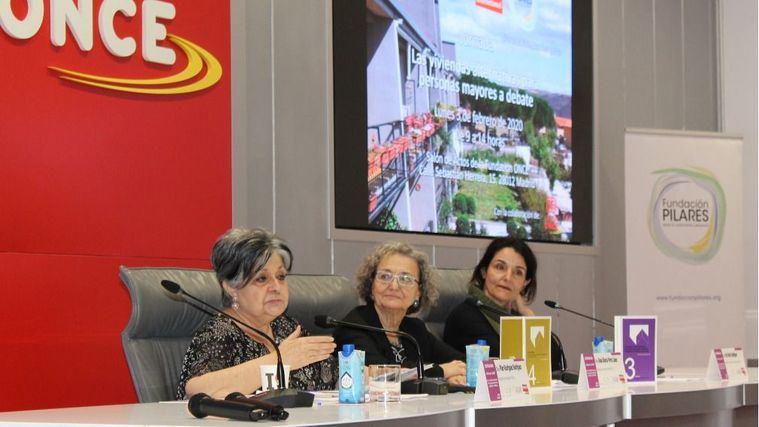 """""""La administración tendría que presentar otras alternativas de vivienda a los mayores"""