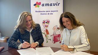 La directora general de Amavir, Lourdes Rivera, y la directora de Operaciones de la Fundación Adecco, Arancha Jiménez.