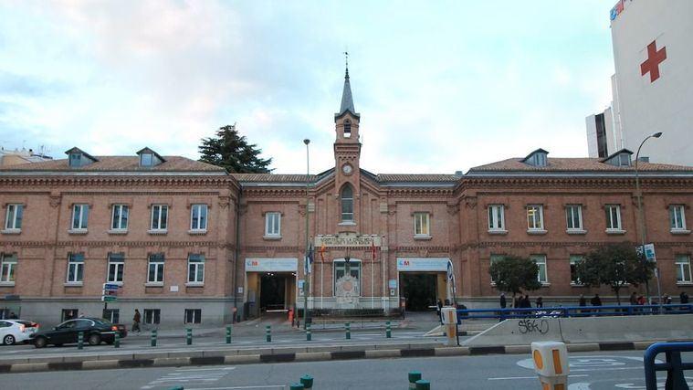 Hospital Central de la Cruz Roja San José y Santa Adela.