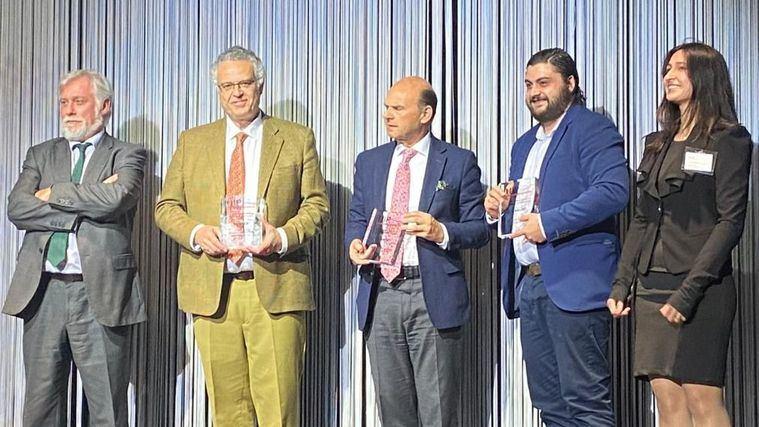Rafael Sánchez-Ostiz, director general de IDEA, recoge el premio Horeca New Business Models por el proyecto Hogarizar Usera.