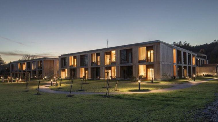 Arquitectura y residencias: La calidez de la madera en una residencia austríaca