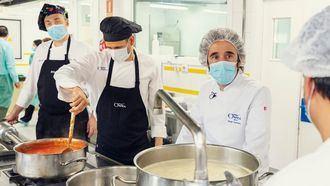 Diego Guerrero, chef con dos Estrellas Michelin, muestra su apoyo a los cocineros de las residencias ORPEA.