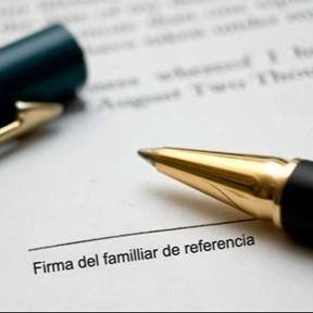 Firma de un documento.