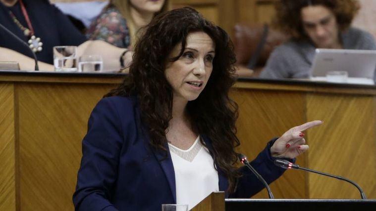 La Junta de Andalucía reduce el copago de las personas mayores en los centros de día