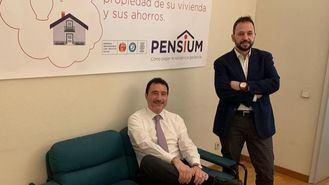 Miquel Perdiguer (izq.), consejero delegado de Pensium, y David Igual, director de operaciones.