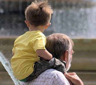 Cambian las formas de ser abuelo y de tratar a los nietos.