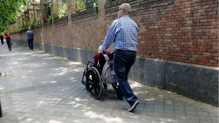 Los responsables de servicios sociales denuncian 47.201 dependientes fallecidos en lista de espera hasta octubre