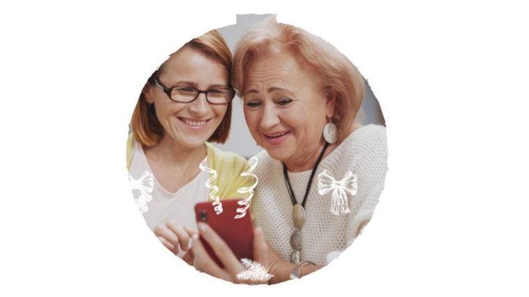 Edad&Vida anima a compartir recuerdos navideños en las RRSS para mitigar la soledad de las personas mayores en una #NavidadParaRecordar.
