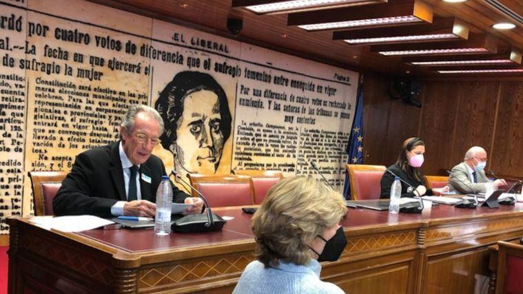 El presidente del CEDDD, Albert Campabadal, en el Senado.