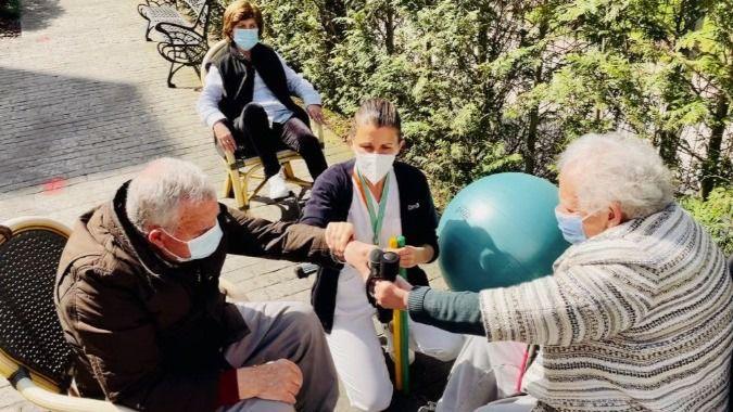 Familias y residentes de los centros DomusVi valoran con un 8,3 el grado de satisfacción global con la gestión de la pandemia