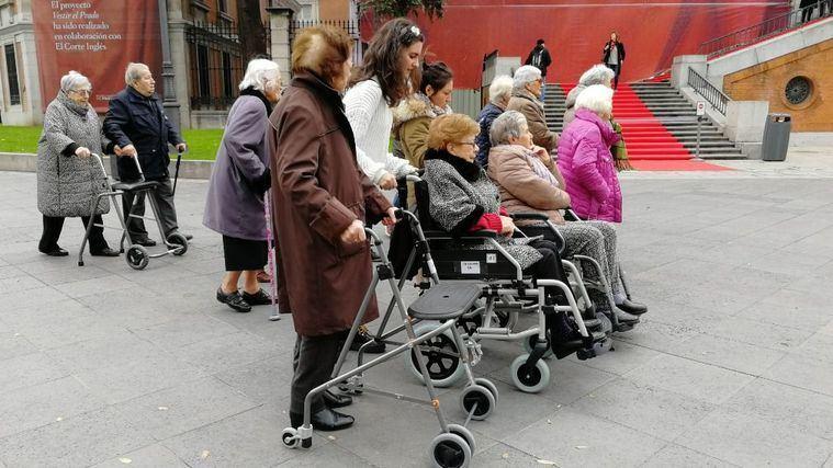 Atención domiciliaria y envejecimiento saludable, retos para la longevidad