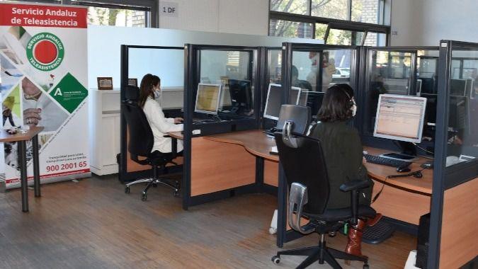 El Servicio Andaluz de Teleasistencia atiende más de 2,6 millones de llamadas el primer semestre de 2021