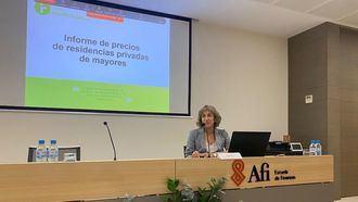 La directora de Marketing de Inforesidencias, Anna Cebrián, durante la presentación del informe de precios elaborado por Inforesidencias.com.