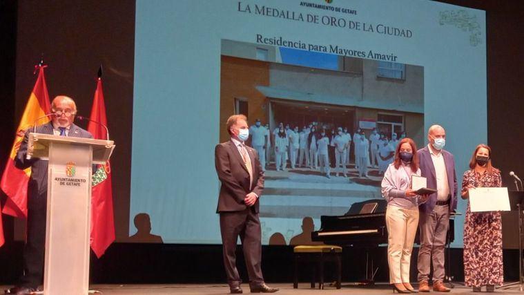 Amavir Getafe recibe la Medalla de Oro de la ciudad por su entrega contra la Covid-19