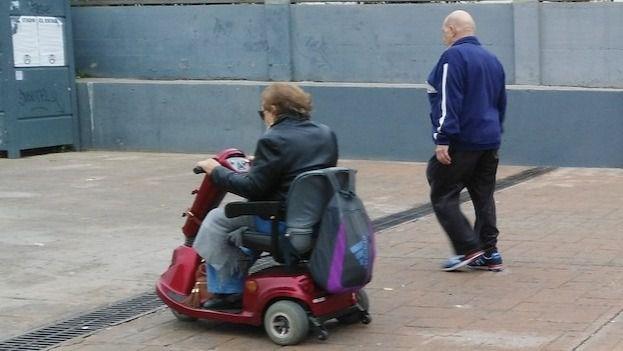 ACRA reclama un pasaporte sanitario específico para proteger a las personas mayores en situación de dependencia