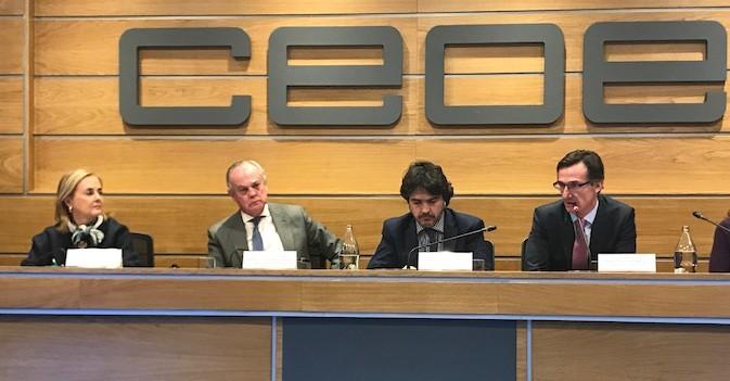 AESTE traslada a Garcés la redaccion de un informe sobre la revisión de la Ley de Dependencia