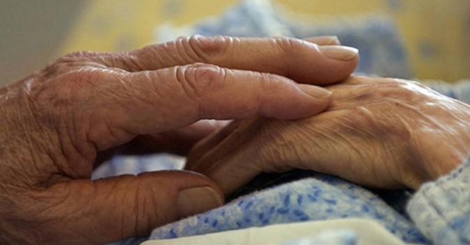 AESTE pide una atención especializada del Alzheimer en las residencias