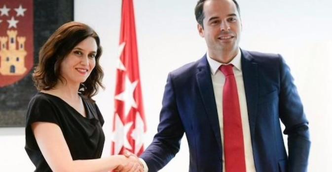 PP y Cs quitarán las sujeciones en las residencias si gobiernan en la Comunidad de Madrid