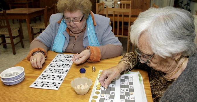 Alerta sobre la proliferación de bingos en centros de mayores
