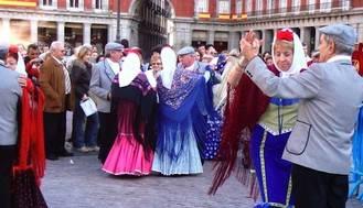 Una Escuela de Chotis para madrileños de todas las edades