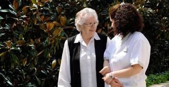 Más de la mitad de los cuidadores no profesionales en España sufre estrés, depresión y ansiedad