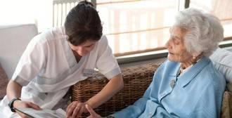 El 70% del gasto que genera un paciente con demencia es asumido por la familia