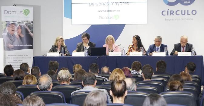 La Fundación DomusVi reúne en Galicia a expertos en los derechos de las personas mayores